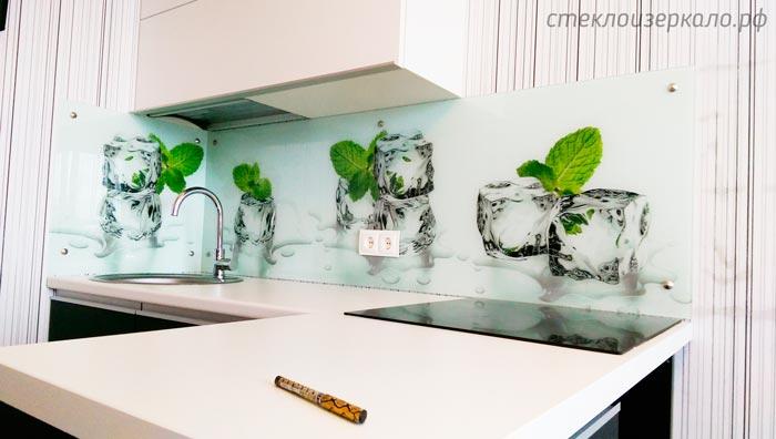 Кухонный фартук из стекла с фотопечатью кубики льда