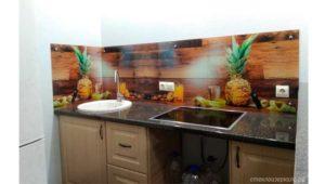 Кухонный фартук из стекла с фотопечатью с ананасами
