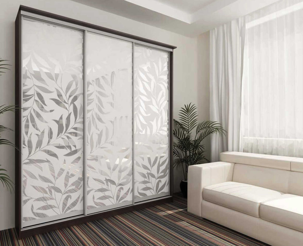 Зеркало с пескоструйным рисунком в виде обоев