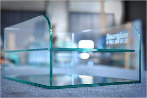 Уф-склейка витрины из стекла