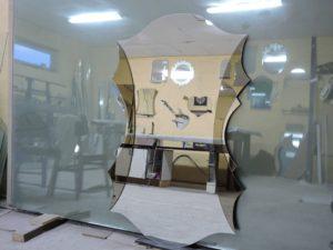 Дизайнерское зеркало под заказ в прихожую
